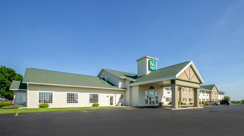 "Quality Inn Mineral Point Exterior. Images powered by <a href=""http://web.iceportal.com""  target=""_blank"">Ice Portal</a>."