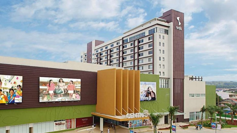 "Seda Centrio Exterior. Images powered by <a href=""http://web.iceportal.com""  target=""_blank"">Ice Portal</a>."