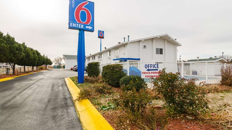 "Motel 6 North Platte Exterior. Images powered by <a href=""http://web.iceportal.com""  target=""_blank"">Ice Portal</a>."