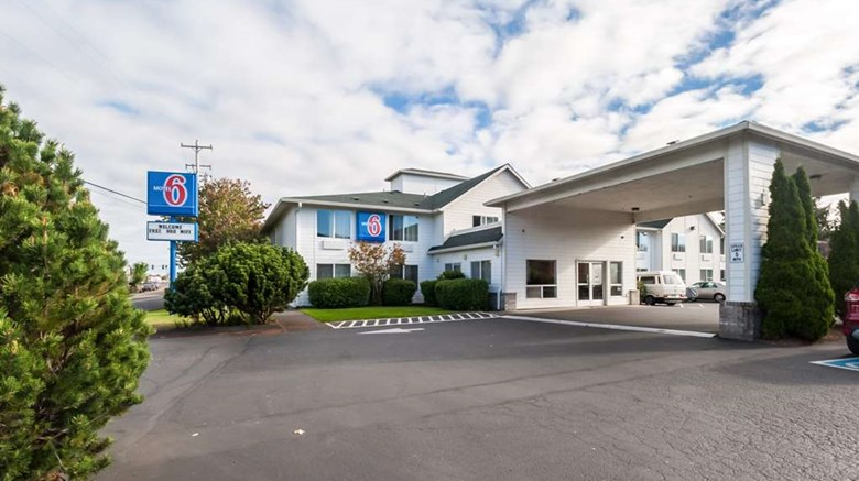 "Motel 6 Seaside Exterior. Images powered by <a href=""http://web.iceportal.com""  target=""_blank"">Ice Portal</a>."