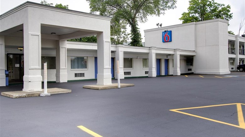 "Motel 6 Richfield Exterior. Images powered by <a href=""http://web.iceportal.com""  target=""_blank"">Ice Portal</a>."
