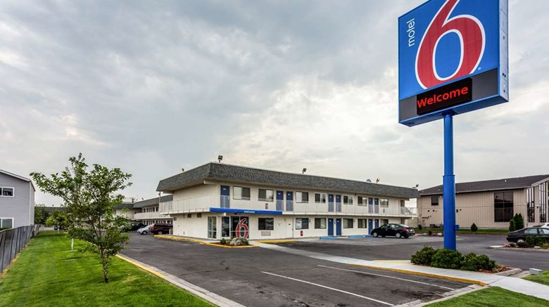 "Motel 6 Twin Falls Exterior. Images powered by <a href=""http://web.iceportal.com""  target=""_blank"">Ice Portal</a>."
