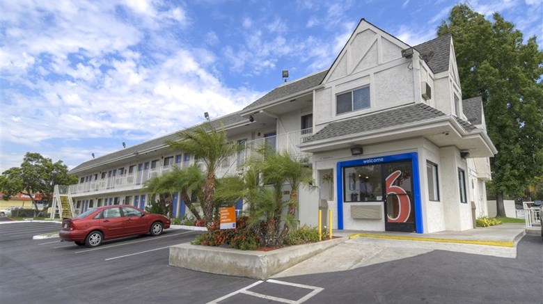 "Motel 6 Los Angeles Exterior. Images powered by <a href=""http://web.iceportal.com""  target=""_blank"">Ice Portal</a>."