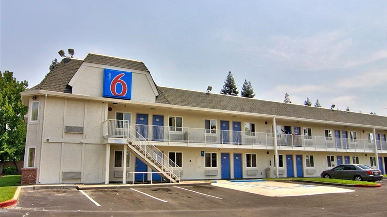 "Motel 6 Sacramento South Exterior. Images powered by <a href=""http://web.iceportal.com""  target=""_blank"">Ice Portal</a>."