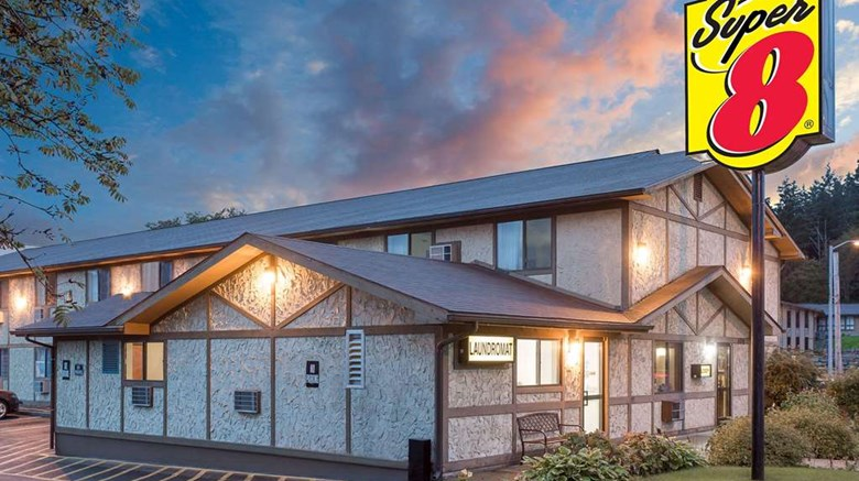 "Super 8 Sitka Exterior. Images powered by <a href=""http://web.iceportal.com""  target=""_blank"">Ice Portal</a>."