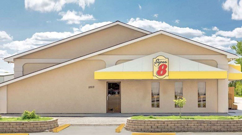 "Super 8 Norfolk Exterior. Images powered by <a href=""http://web.iceportal.com""  target=""_blank"">Ice Portal</a>."