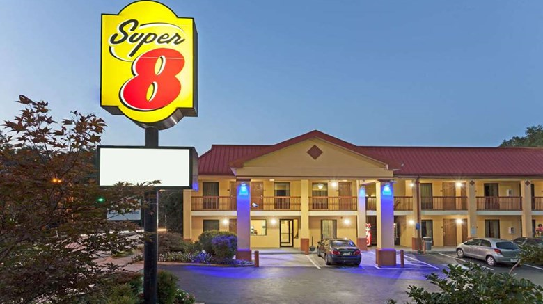 "Super 8 Decatur/Dntn/Atlanta Area Exterior. Images powered by <a href=""http://web.iceportal.com""  target=""_blank"">Ice Portal</a>."