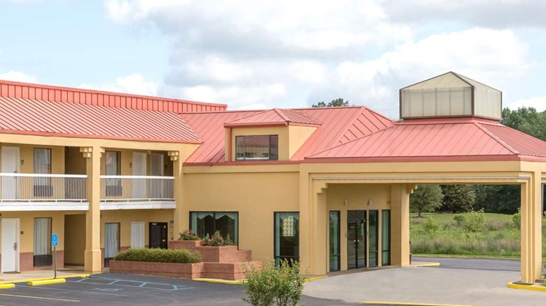 Super 8 Madison Ridgeland Area Exterior Images Ed By A Href
