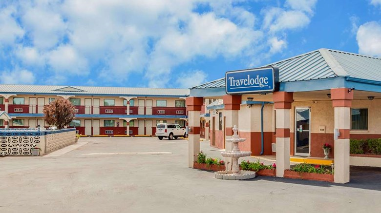 Travelodge Memphis Exterior Images Ed By A Href Http