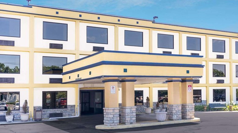 Days Inn Columbus Airport Exterior Images Ed By A Href Http