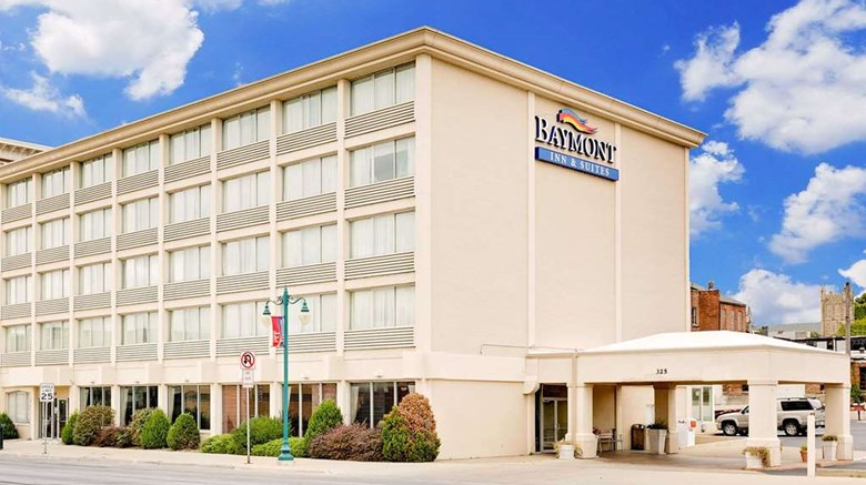 "Baymont Inn & Suites Keokuk Exterior. Images powered by <a href=""http://web.iceportal.com""  target=""_blank"">Ice Portal</a>."