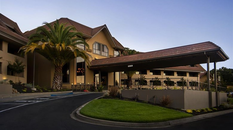 "Best Western Plus Novato Oaks Inn Exterior. Images powered by <a href=""http://web.iceportal.com""  target=""_blank"">Ice Portal</a>."