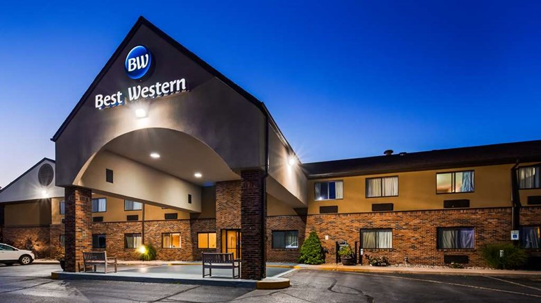 "Best Western Kendallville Inn Exterior. Images powered by <a href=""http://web.iceportal.com""  target=""_blank"">Ice Portal</a>."