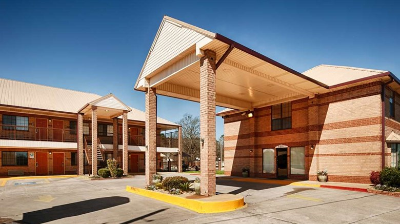 "Best Western Executive Inn Exterior. Images powered by <a href=""http://web.iceportal.com""  target=""_blank"">Ice Portal</a>."