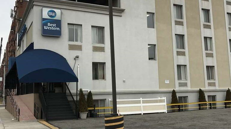 "Best Western Jamaica Inn Exterior. Images powered by <a href=""http://web.iceportal.com""  target=""_blank"">Ice Portal</a>."
