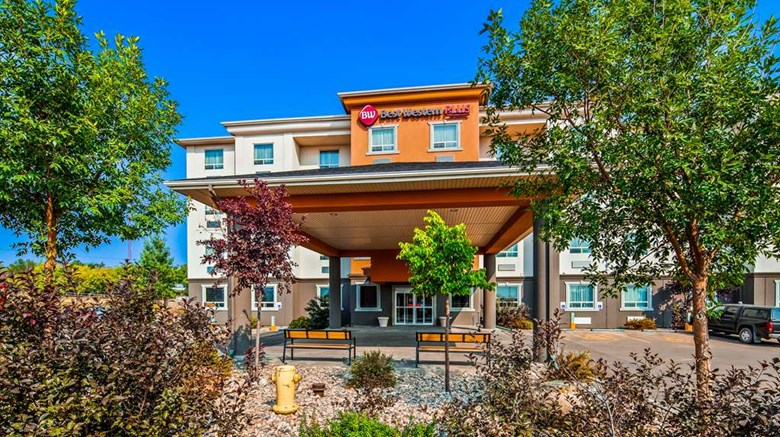"Best Western Plus Estevan Inn & Suites Exterior. Images powered by <a href=""http://web.iceportal.com""  target=""_blank"">Ice Portal</a>."