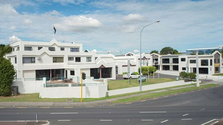 "Best Western Ellerslie International Exterior. Images powered by <a href=""http://web.iceportal.com""  target=""_blank"">Ice Portal</a>."