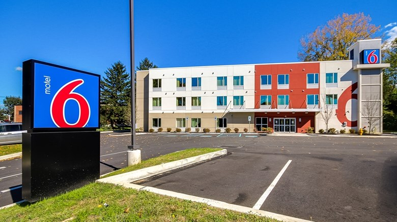 "Motel 6 Allentown Exterior. Images powered by <a href=""http://web.iceportal.com""  target=""_blank"">Ice Portal</a>."