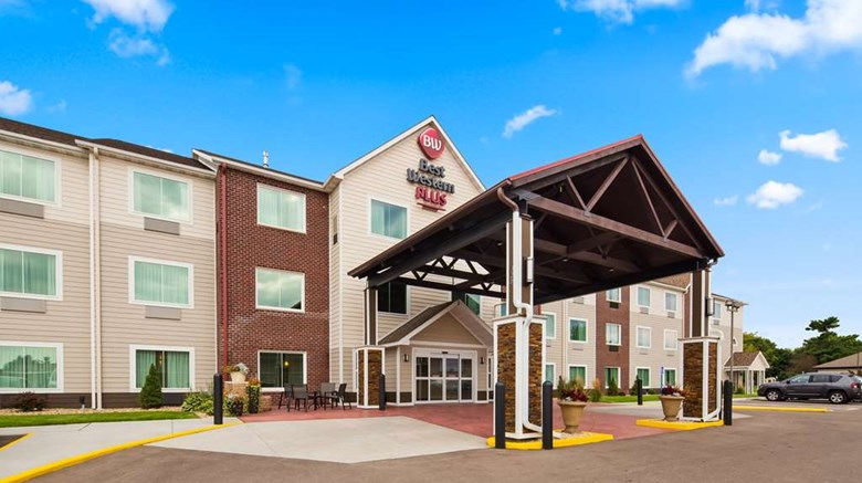 "Best Western Plus Menomonie Inn & Suites Exterior. Images powered by <a href=""http://web.iceportal.com""  target=""_blank"">Ice Portal</a>."
