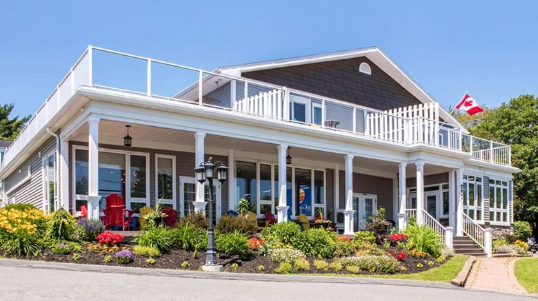 "Comfort Inn Exterior. Images powered by <a href=""http://web.iceportal.com""  target=""_blank"">Ice Portal</a>."