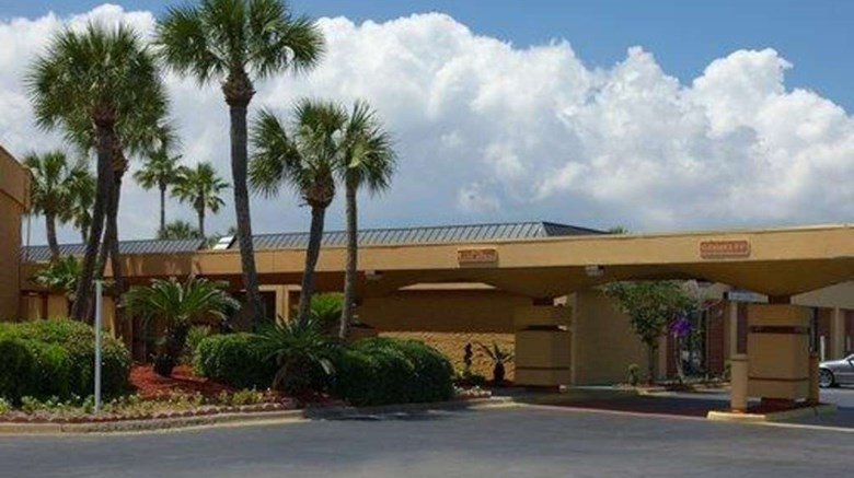 Quality Inn Suites Gulf Breeze Exterior Images Ed By A Href
