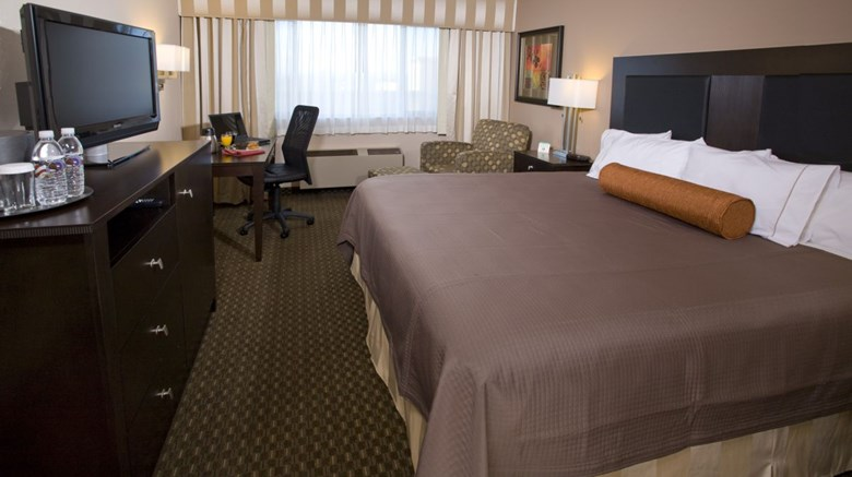 Monarch Hotel & Conference Ctr Room