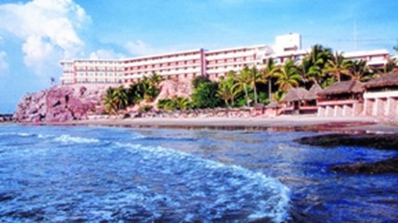 Faro Mazatlan Beach Resort Exterior