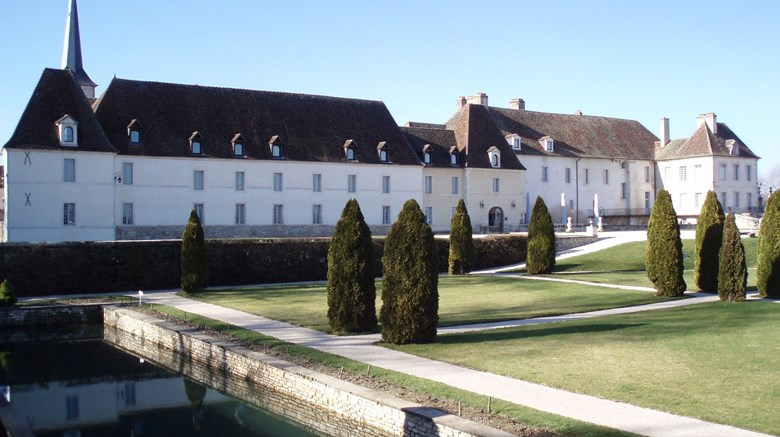 "Chateau de Gilly Exterior. Images powered by <a href=""http://www.leonardo.com""  target=""_blank"">VFM Leonardo</a>."