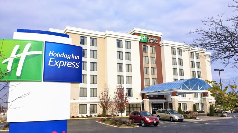Holiday Inn Express Arlington Heights Exterior Images Ed By A Href Http
