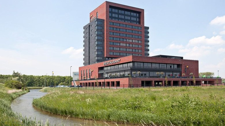 "Van der Valk Hotel Dordrecht Exterior. Images powered by <a href=""http://www.leonardo.com""  target=""_blank"">Leonardo</a>."