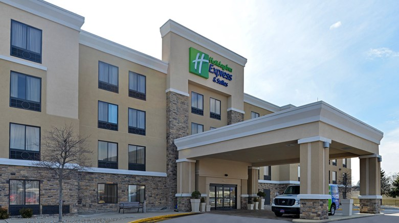 "Holiday Inn Express Hotel & Stes Exterior. Images powered by <a href=""http://www.leonardo.com""  target=""_blank"">Leonardo</a>."
