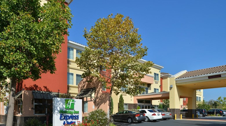 Holiday Inn Express Suites Berkeley Exterior Images Ed By A Href