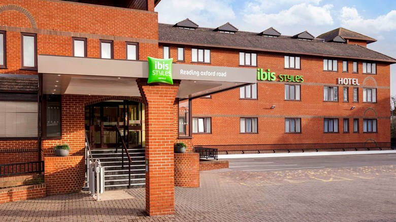 "Ibis Styles Reading Oxford Rd Exterior. Images powered by <a href=""http://www.leonardo.com""  target=""_blank"">Leonardo</a>."