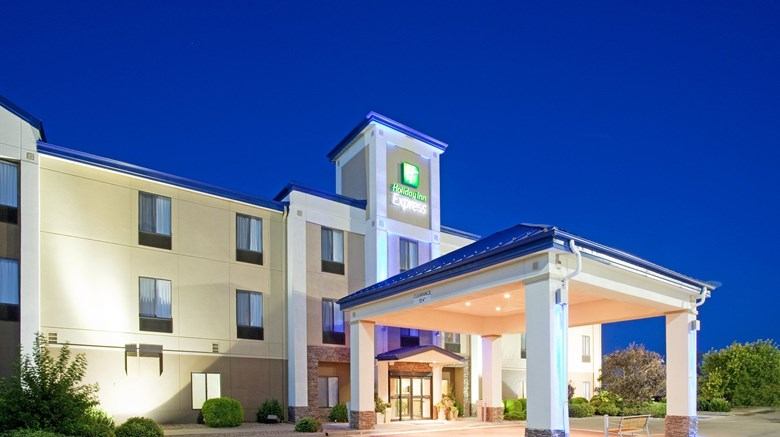 Hotels In Garden City Ks >> Holiday Inn Express Hotel Suites Tourist Class Garden City Ks