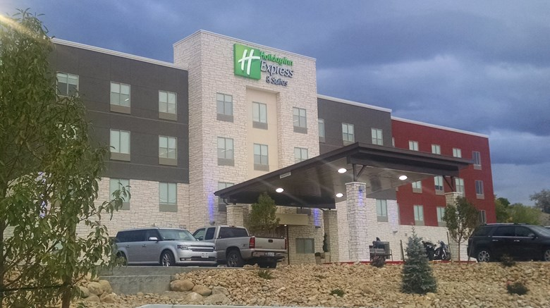 Holiday Inn Express Suites Price Exterior Images Ed By A Href