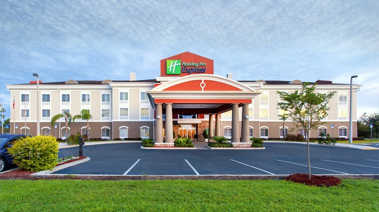 "Holiday Inn Express Lake Wales N Exterior. Images powered by <a href=""http://www.leonardo.com""  target=""_blank"">Leonardo</a>."