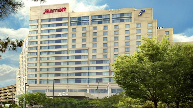 "Philadelphia Airport Marriott Exterior. Images powered by <a href=""http://www.leonardo.com""  target=""_blank"">Leonardo</a>."