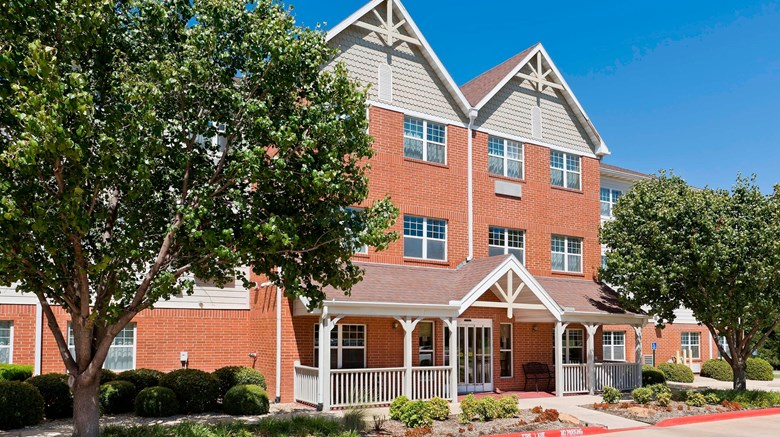 "TownePlace Suites Dallas Bedford Exterior. Images powered by <a href=""http://www.leonardo.com""  target=""_blank"">Leonardo</a>."