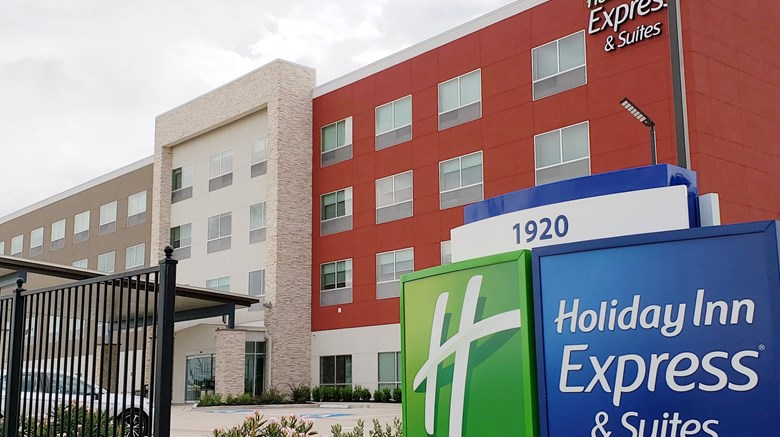 "Holiday Inn Express/Stes IAH - Beltway 8 Exterior. Images powered by <a href=""http://www.leonardo.com""  target=""_blank"">Leonardo</a>."
