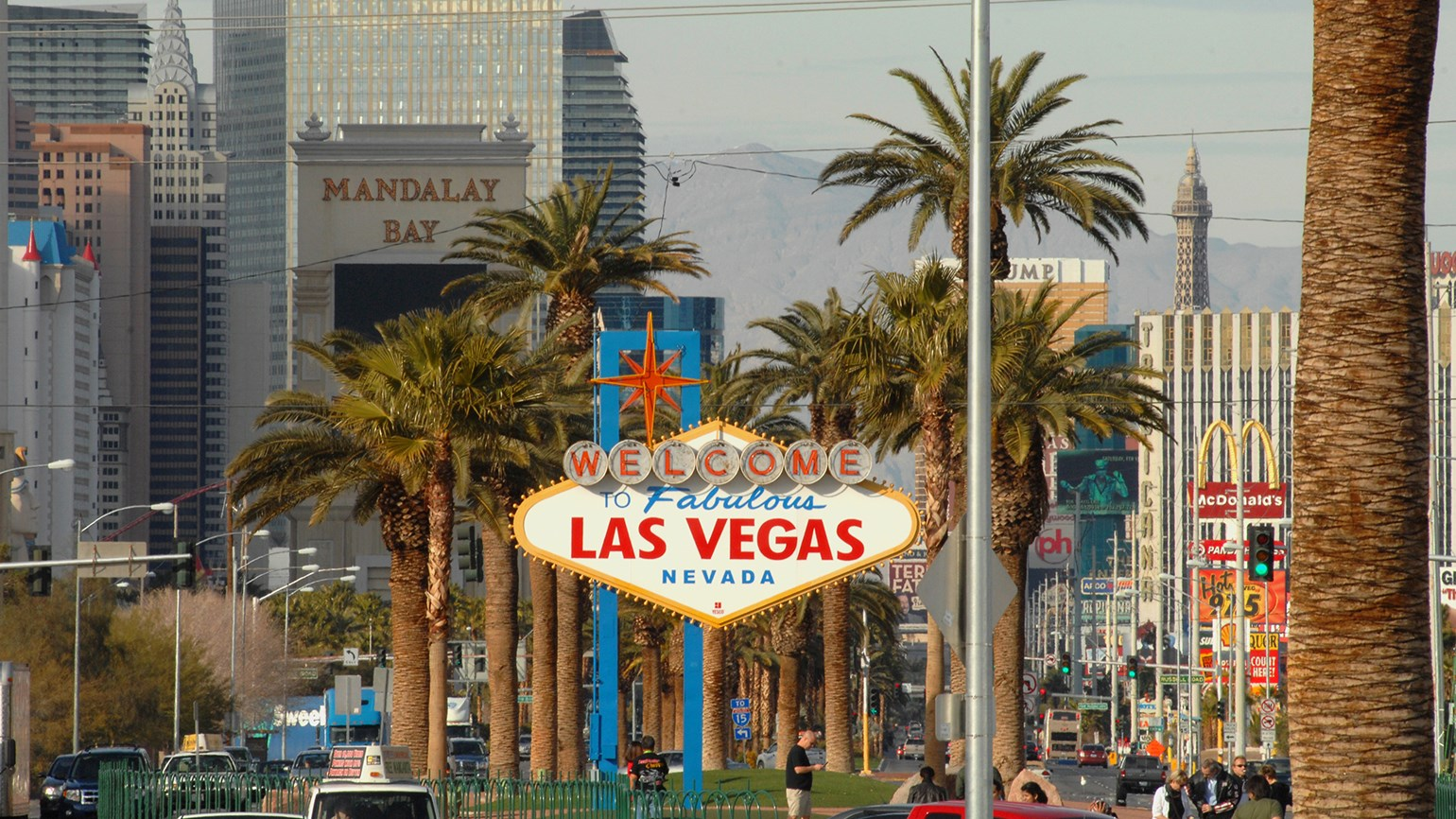 Las Vegas sets record for visitors, surpassing 40 million