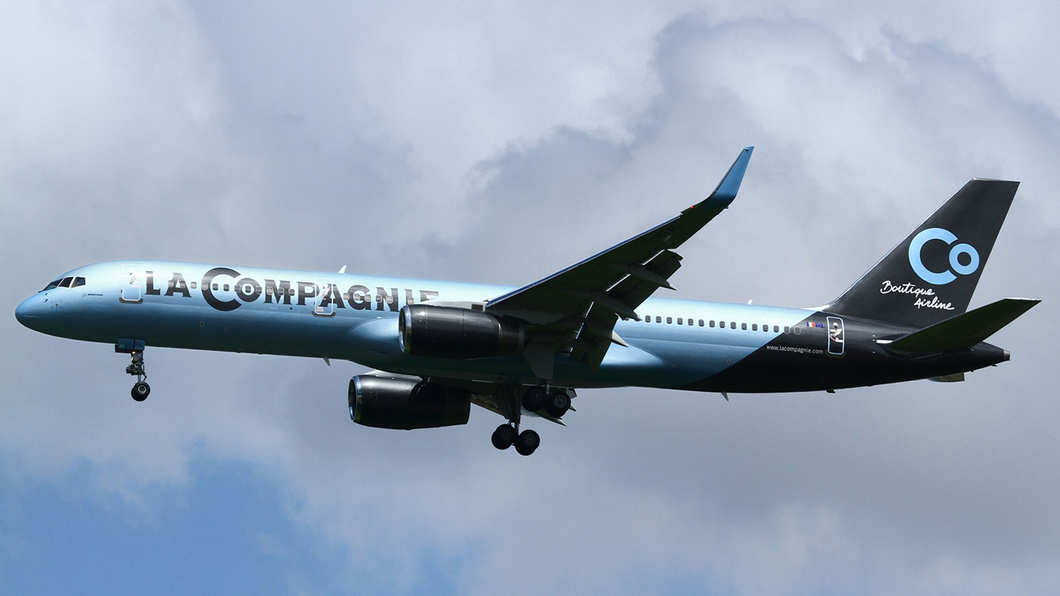 La Compagnie adds Newark-London flights