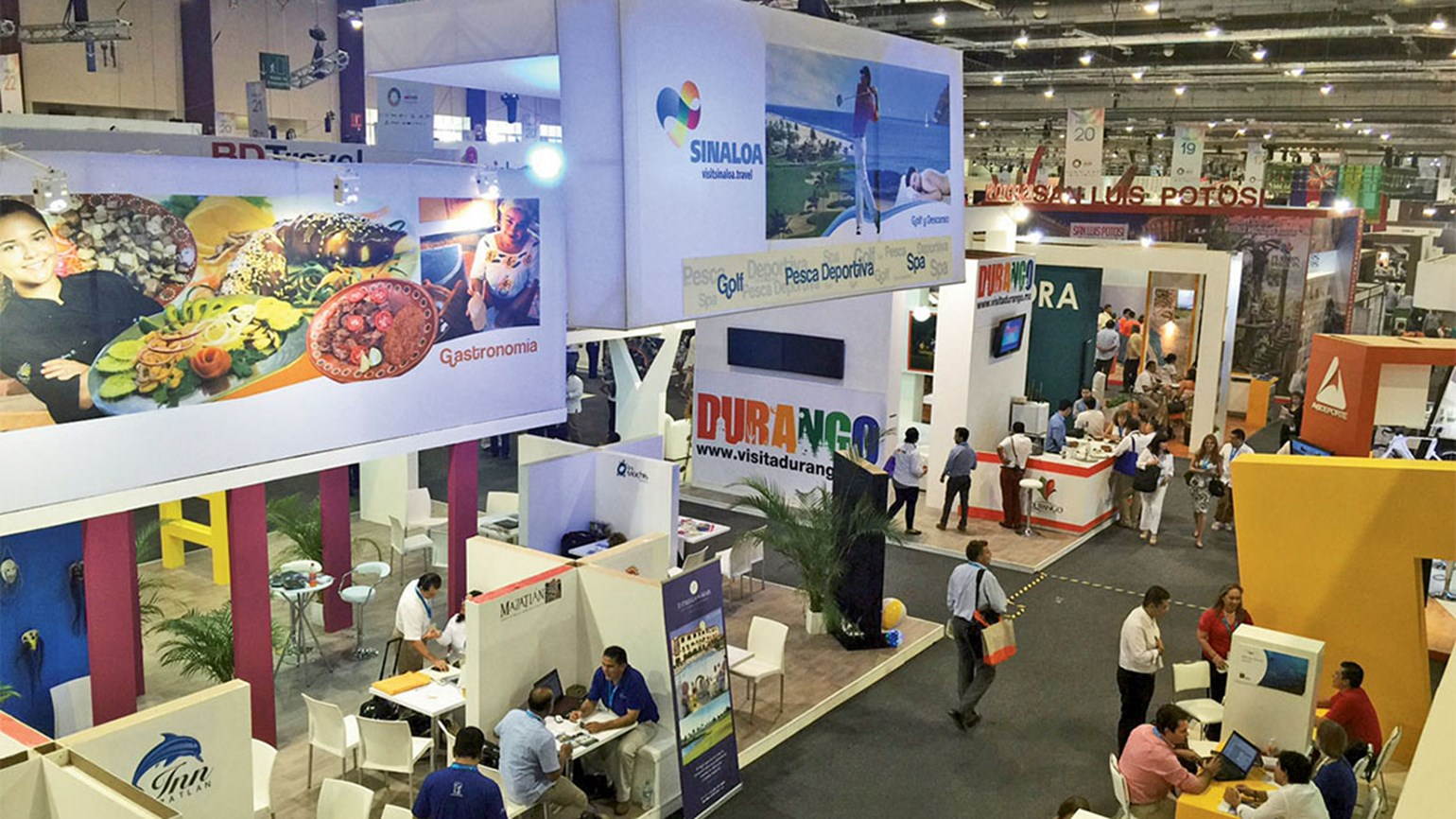 Touting renewal efforts, Acapulco again hosts Tianguis confab