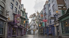 T0406DIAGONALLEY.JPG