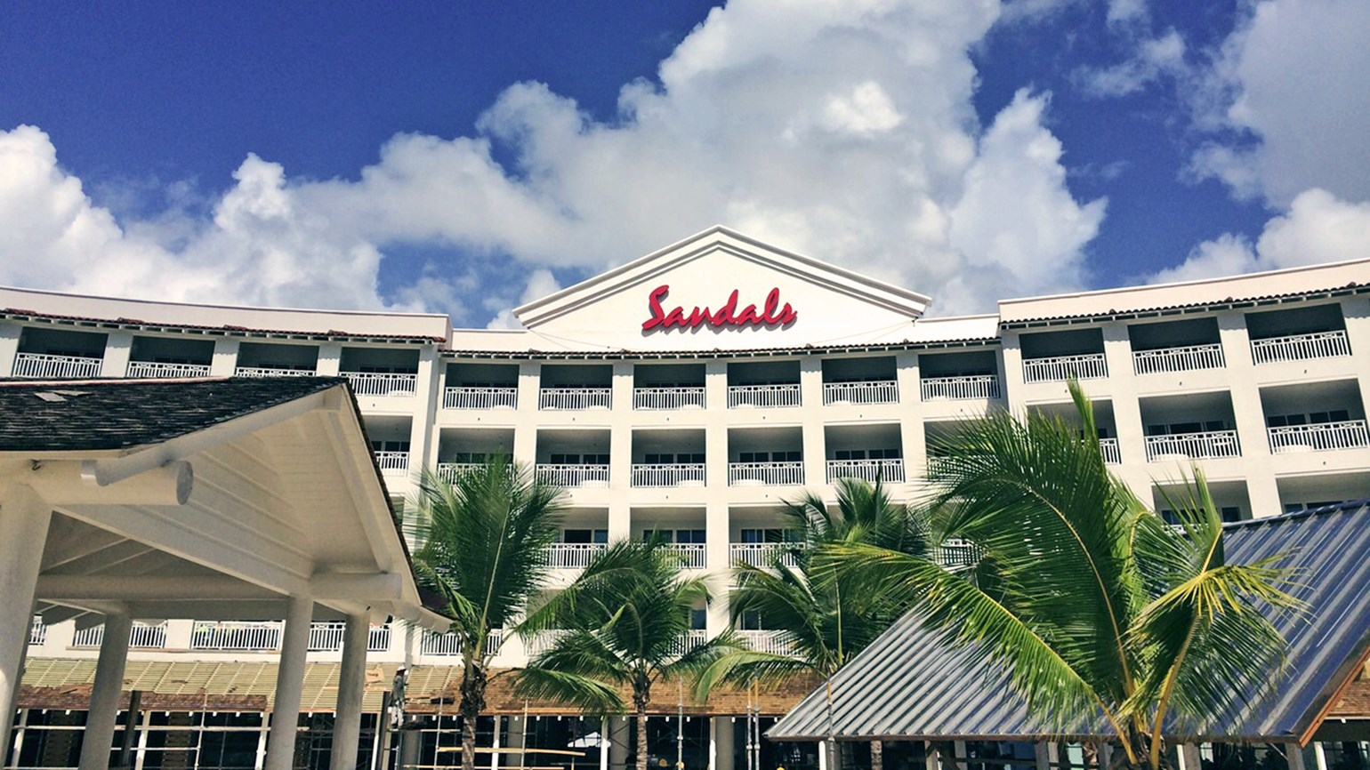 Sandals unveils two-resort vacations