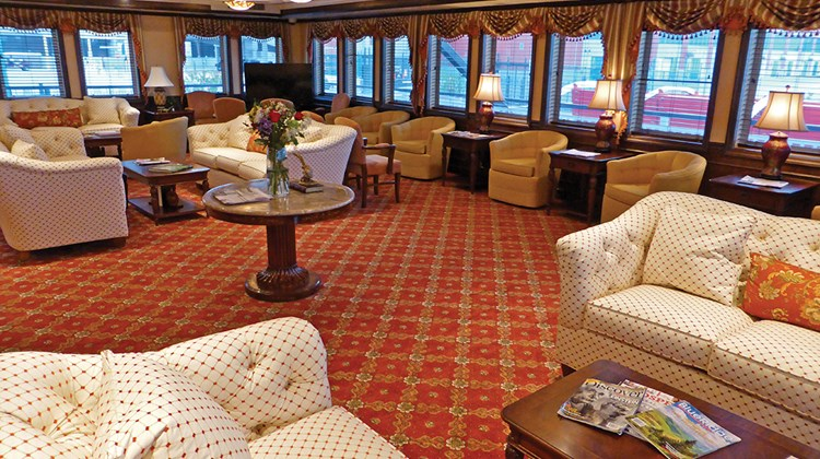 The Paddlewheel Lounge on the American Eagle.