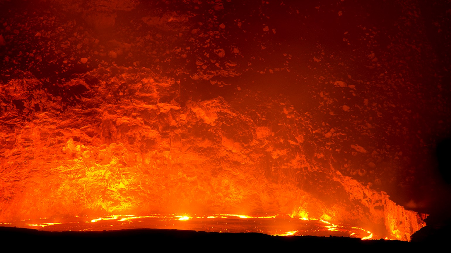 Big Island's Halemaumau Crater putting on lava show