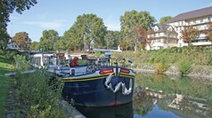 Canal barging attracting more families