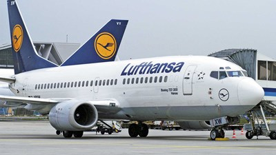 Lufthansa will surrender slots in exchange for state aid