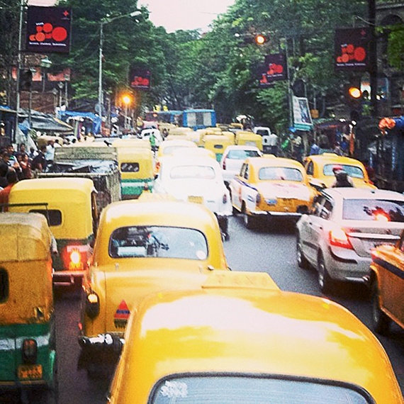 The bustling streets of Kolkata. Photo Credit: Michelle Baran