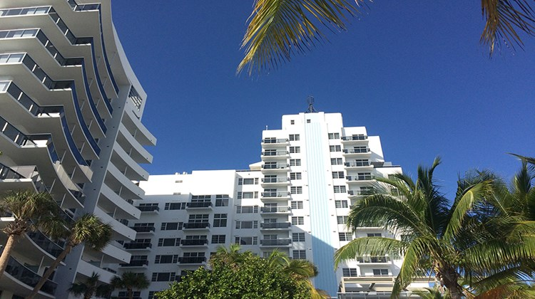 The Thompson Miami Beach opened in November 2014 in the mid-beach section of Miami Beach -- a location to watch as upscale properties have continued their northward march up Collins Avenue.